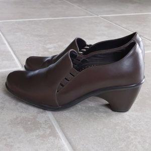 Dansko Reese Leather Pumps Low Heel Round Toe Sz 9